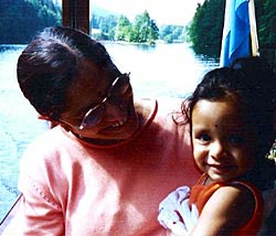 Tanushree with her grandmother Shrimati Veena També